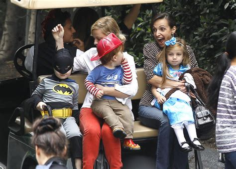 amy poehler sons abel arnett in amy poehler takes her sons to a costume