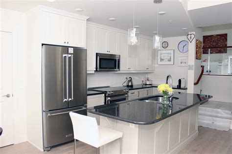 kitchen cabinets kelowna kitchen cabinets kelowna mf cabinets