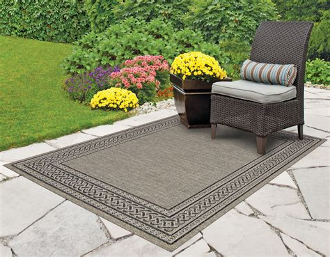 Outdoor Patio Area Rugs Home Design Ideas And Pictures Outdoor Deck Rugs