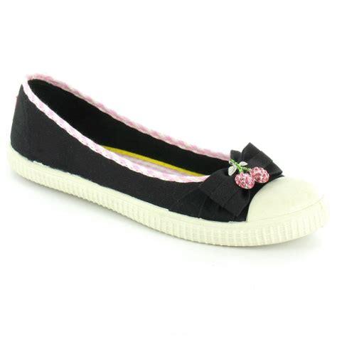 rocket flat shoes rocket snackie womens kitsch flat cherry pumps black