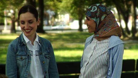 film relijius islami in the film arranged two women bridge the muslim jewish