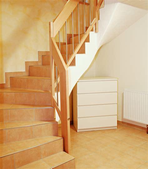 Treppengeländer Innen Holz Weiß by Steintreppengel 228 Nder Bucher Treppen Das Original