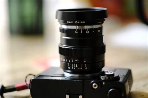best 35mm lens the 7 best 35mm lenses for portrait photography