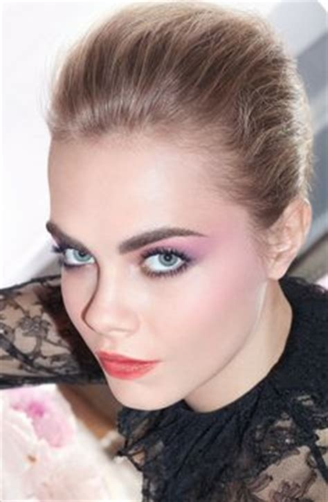 cara delevingne pink lipstick makeup style rihanna at her 2nd annual rihanna diamond