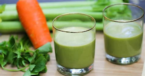 frullato di sedano carote e spinaci per trattare il diabete