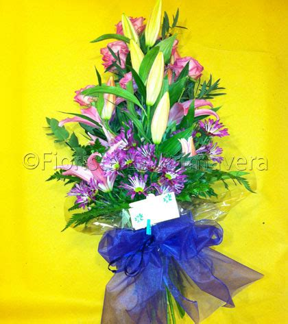 fasci di fiori fascio fiori lutto consegna fiori