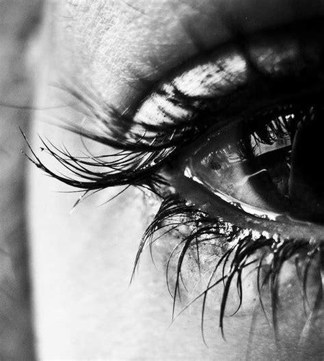 imagenes ojos llorando movimiento imagenes de ojos hermosos llorando imagui
