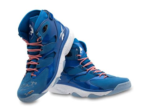 shaquille o neal basketball shoes shaquille o neal autographed reebok shaq attaq iv shoe
