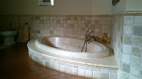 bagno travertino bagno travertino piatto doccia a doghe in travertino in