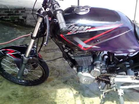 Mesin Airbrush Modifikasi Honda Tiger 2000 Airbrush Terbaru Mesin