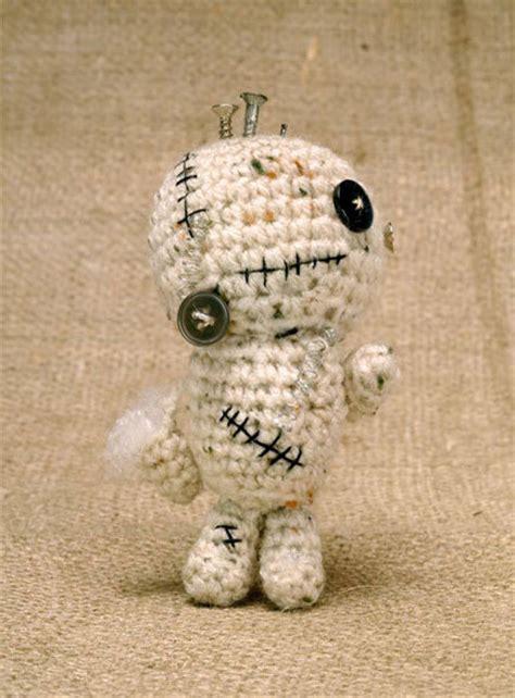 Amigurumi Zombie Pattern Free | crochet zombiebot amigurumi free pattern craftfoxes