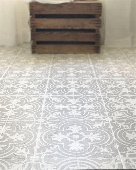 porcelain tile that looks like cement tile plum pretty decor design co how to paint your linoleum