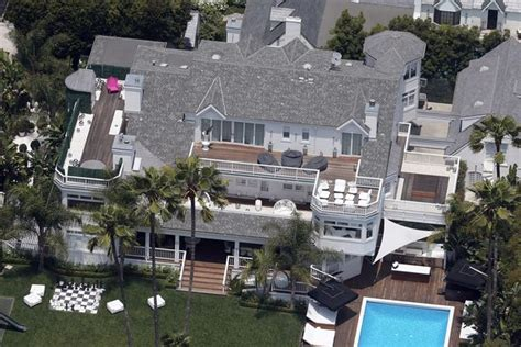 justin beibers house justin bieber drops 80 000 a month on a lakeside home that has its own boat mirror