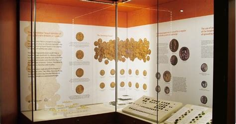 Quality Museum Display Cases & Cabinets   Access Displays