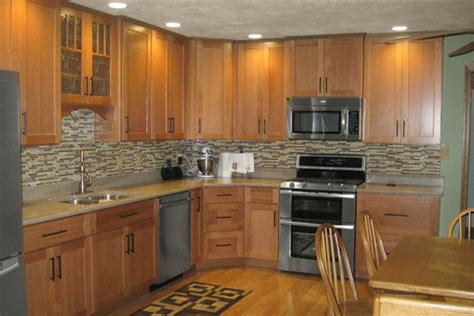 Kitchen Backsplash Ideas With Oak Cabinets by Oak Kitchen Cabinets Dayton Door Style Cliqstudios