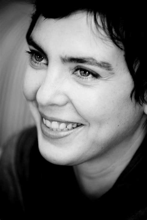 Adriana Calcanhoto | Adriana calcanhoto, Cantores, Música