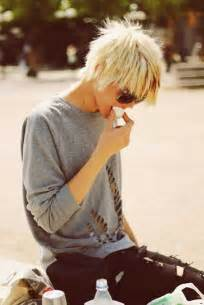 easy to care for shaggy hairstyles 25 best ideas about short shaggy haircuts on pinterest short cuts short shaggy bob and