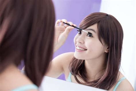 Maskara Dan Eyeliner saling pinjam maskara dan eyeliner ternyata berbahaya
