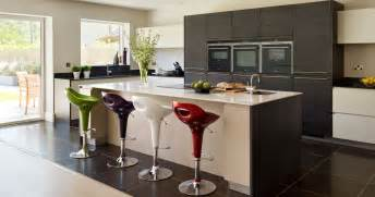 Kitchen Designer Uk by Why Everyone Should Have A Designer Kitchen Company