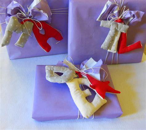 lettere di stoffa lettere in stoffa da appendere per personalizzare i regali