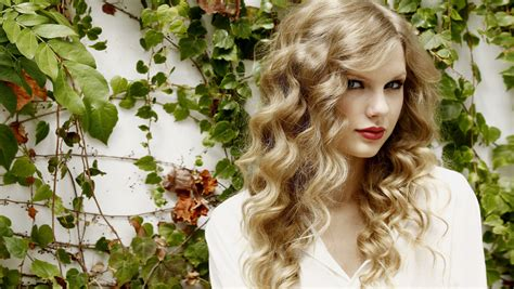 top taylor swift desktop wallpapers iphone wallpapers wallpapershdview com taylor swift hd wallpapers for iphone