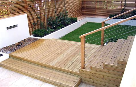 Decking Ideas Small Gardens Decking Designs For Small Gardens