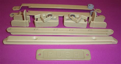 baby bed hardware