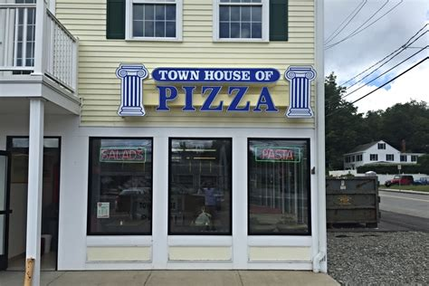town house pizza wass arthur signs