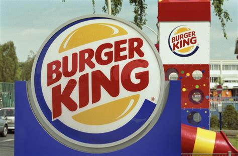 Cing Toilet Belgie by Burger King Bows To Belgian Monarch Pulls Ad Stunt