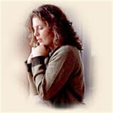 imagenes mujeres orando a dios destellito la mujer orando en la plaza temas y