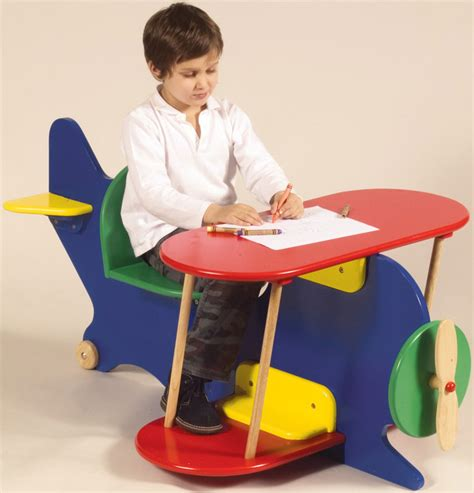 Kid Desk Furniture 20 Cool Desks For Painting And Writing Digsdigs