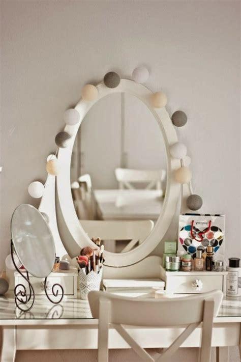 Incroyable Idee De Deco De Table Pour Noel #4: Beau-boule-guirlande-lumineuse-boule-papier-beaut%C3%A9-table-coiffuse.jpg