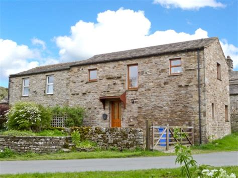 Wensleydale Cottages by Walk Of The Month Aysgarth Dales Sykes