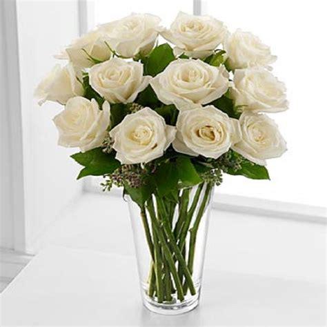 floreros s a floreros 12 rosas ecuatorianas blancas flormorena