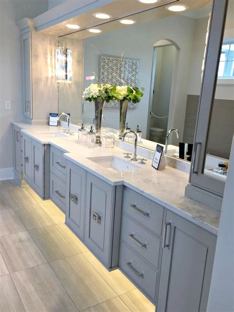 Ideas For Bathroom Cabinets by Best 25 Gray Bathroom Vanities Ideas On Grey