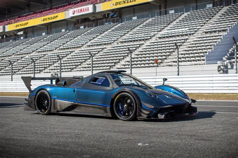 pagani zonda side view pagani zonda revolucion at fuji speedway blue carbon
