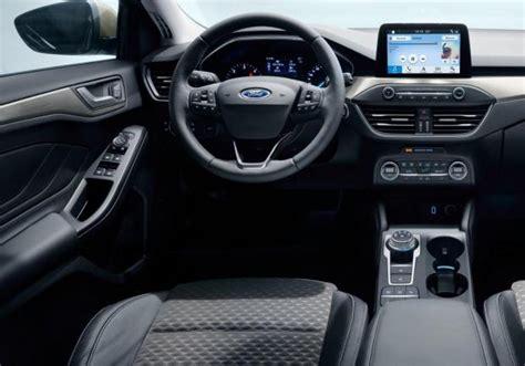 focus interni nuova ford focus le foto e i dati patentati