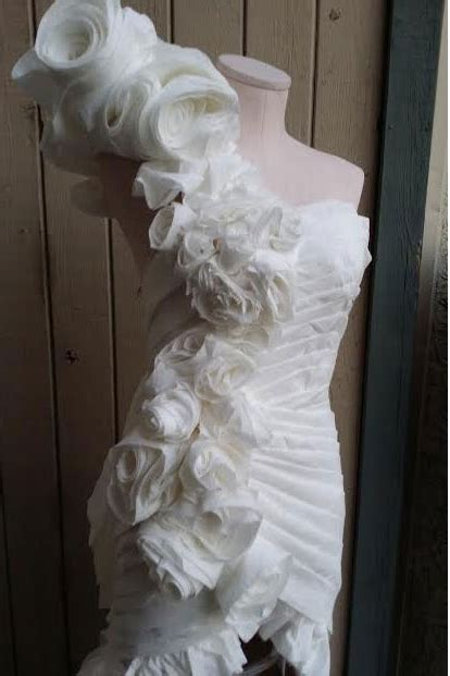 How To Make Toilet Paper Dress - excuse me your wedding dress is made out of what easy