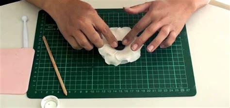 how to make an elegant black and white anemone gumpaste flower 171 cake decorating wonderhowto