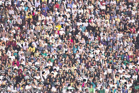imagenes de multitudes orando 191 c 243 mo reaccionamos en estidas humanas