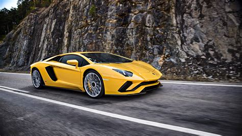Lamborghini Pics The New Lamborghini Aventador S Makes Its Debut At The