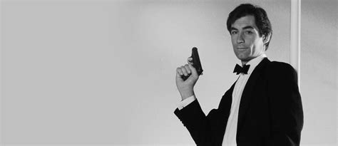 timothy dalton james bond review why timothy dalton is the best bond one room with a view