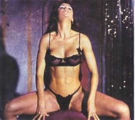 world hot womens: demi moore