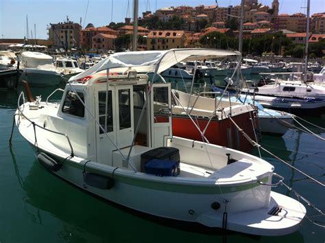 gozzo cabinato vetroresina cantieri fg gozzo cabinato in vendita barca a motore usate i