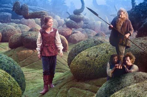 film come narnia dawn treader photos dufflepuds and a dragon narnia fans