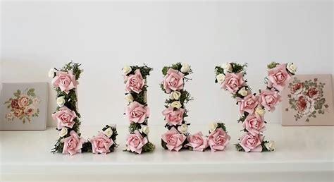 lettere con fiori come decorare le lettere di legno in stile shabby ecco il