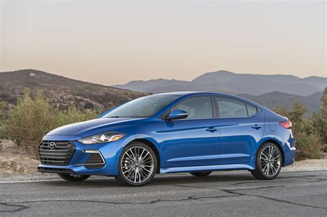 Hyundai Elantra Safety Rating by 2017 Hyundai Elantra Safety Review And Crash Test Ratings