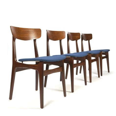 4 eettafel stoelen deense vintage set van 4 eettafel stoelen blauw retro