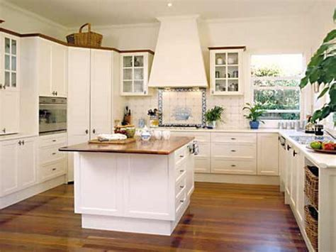 Colonial Style Homes Interior by Small Square Kitchen Design Kitchen Decor Design Ideas