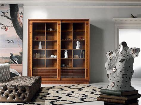 librerie salotto vetrina libreria con intarsio ante scorrevoli per